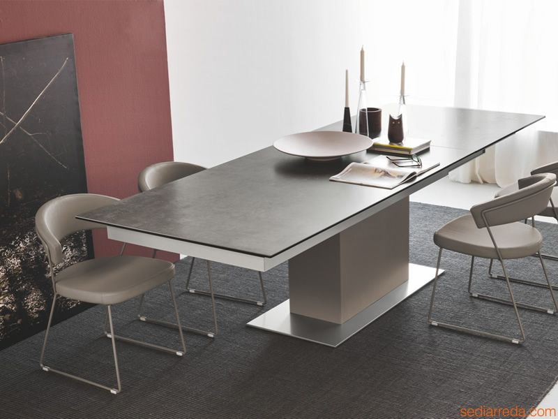 My design magazine il nuovo tavolo materiali a contrasto for Calligaris tavolo allungabile